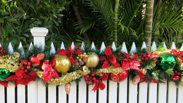 Florida Fence On Twitter Fence Decorating Ideas For The Holiday