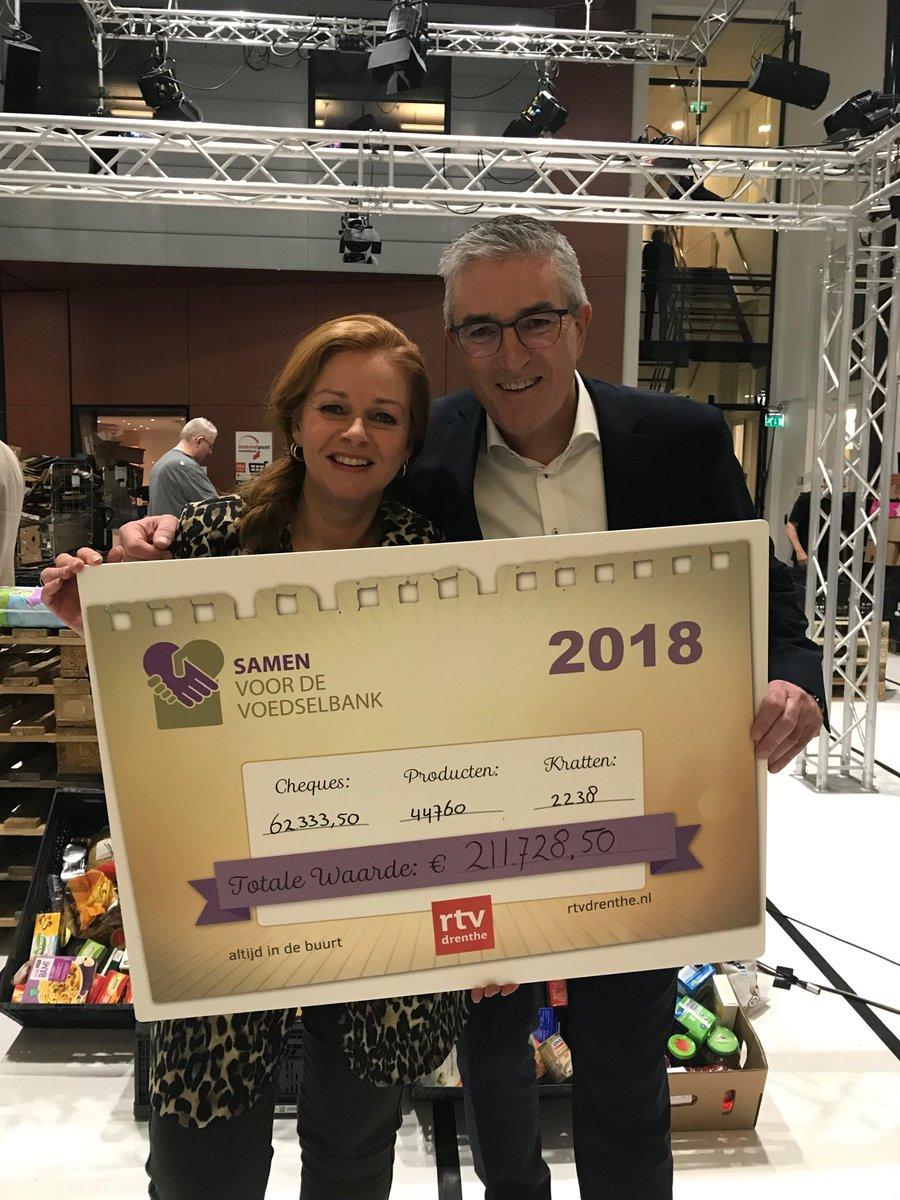 Dank #drenthe! Dank #ambassadeurs  #ellesdost @actiumwonen, @welink_alfred @VNONCWNoord @mkbnlnoord, #richardtapper @NewNexus_nl #tynaarlo en @HenkJumelet en iedereen die zo hard heeft meegeholpen! #vb18 #SamenvoordeVoedselbank18 https://t.co/84S5ekRXDz