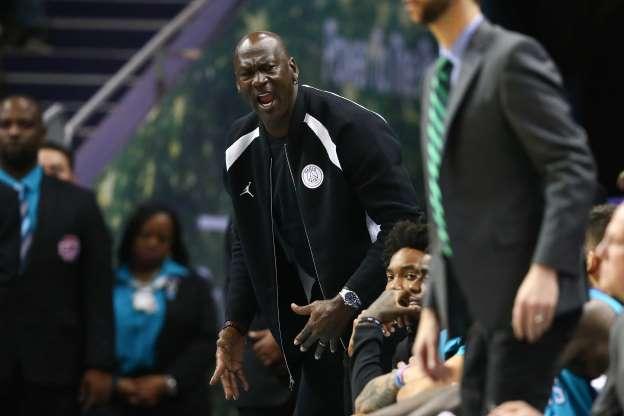 [WATCH] Michael Jordan Slaps Charlotte Hornets Player Malik Monk in the Back of the Head https://t.co/iWviTMkVDq
