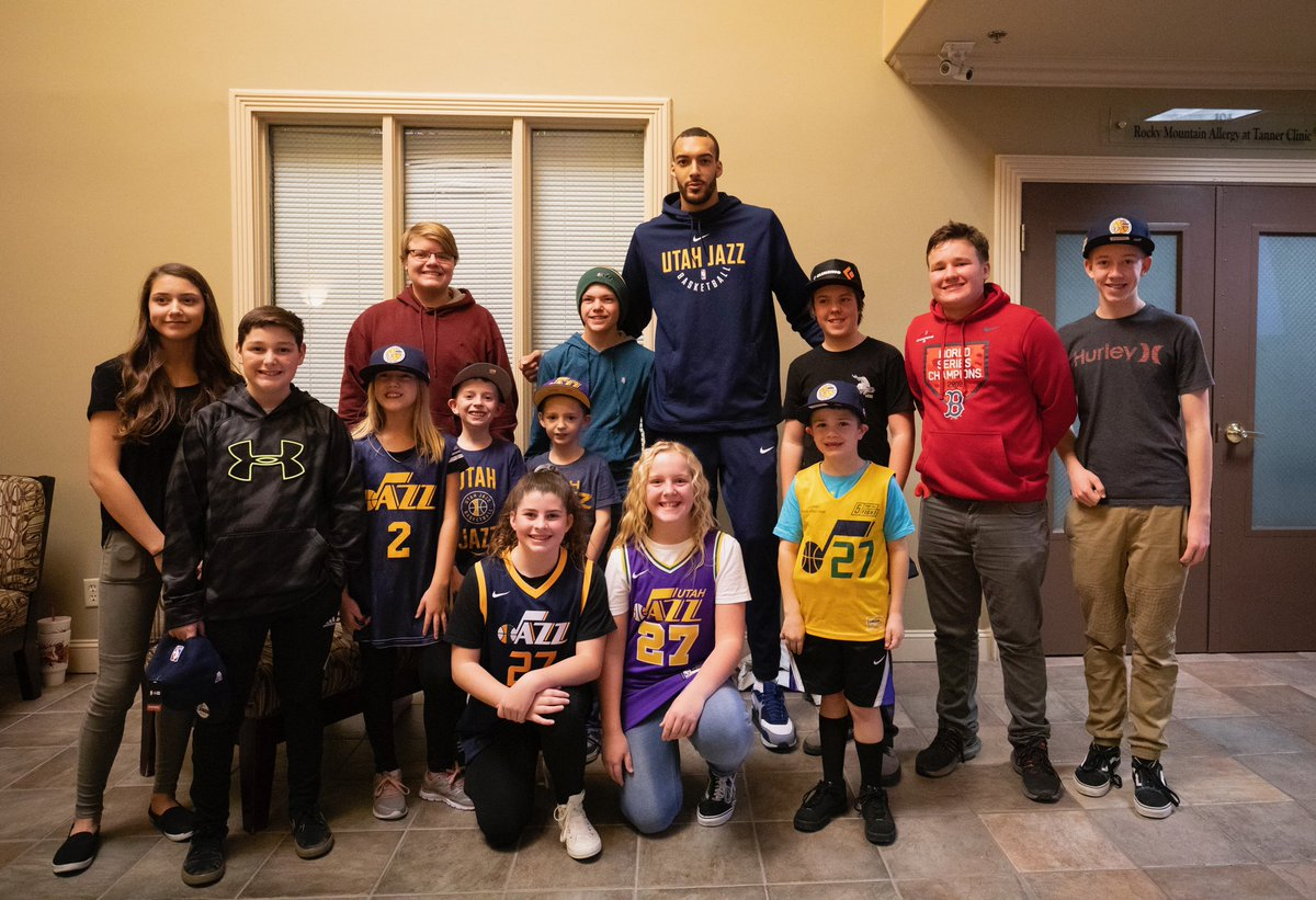 Rudy paid a visit to the @UtahFosterCare foundation and delivered some holiday goodies 🎁 #ThisIsWhyWePlay