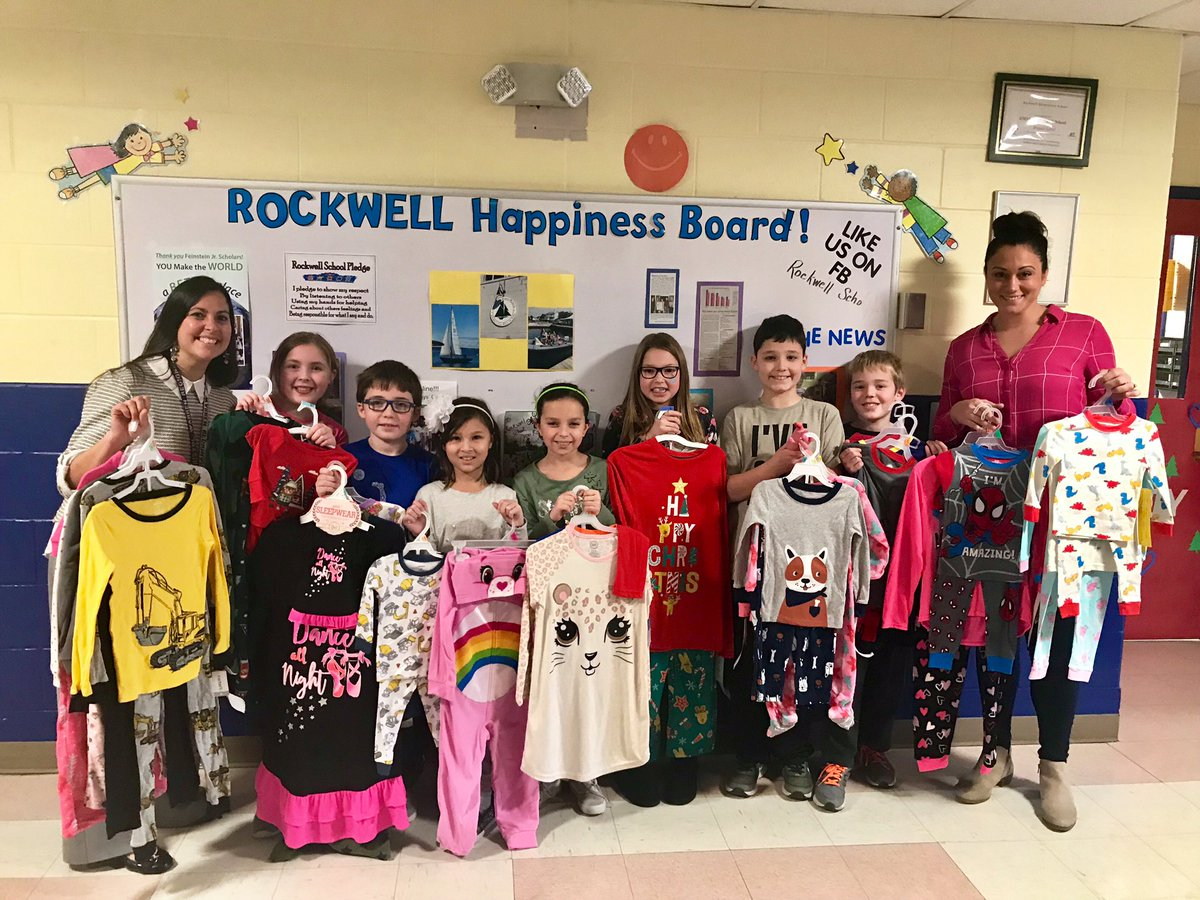 It's the season of giving and Rockwell students sure know how to give! Students donated 132 pairs of pajamas to Scholastic's Great Story Pajama Drive! 📚@amanda_lawlor4 @Scholastic