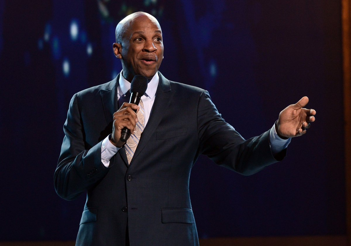 Donnie McClurkin is updating fans after getting into a bad car accident on Wednesday https://t.co/1n9jzWl0YU