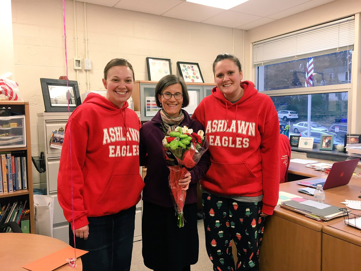 Let's Congratulate Ms. Arnade as Support Employee of the Year and Mr. Knott as Teacher of the Year at Ashlawn!!! 🎉 We are so happy to have staff in our school who provide exceptional contributions and are always commited to our community. Go Eagles! <a target='_blank' href='http://search.twitter.com/search?q=APSisAweseome'><a target='_blank' href='https://twitter.com/hashtag/APSisAweseome?src=hash'>#APSisAweseome</a></a> <a target='_blank' href='https://t.co/382621NFNL'>https://t.co/382621NFNL</a>
