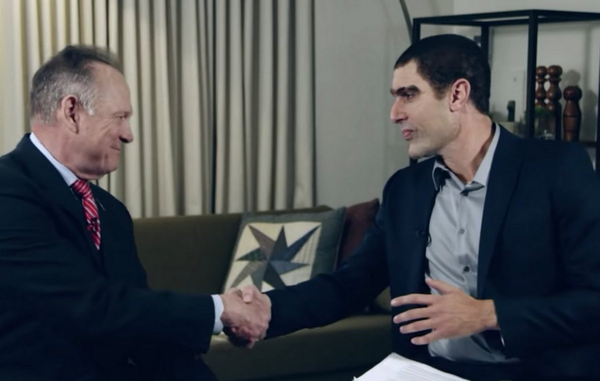 Roy Moore reveals how Sacha Baron Cohen promised him a fake award to secure 'Who is America?' appearance https://t.co/donLDX6Ghw