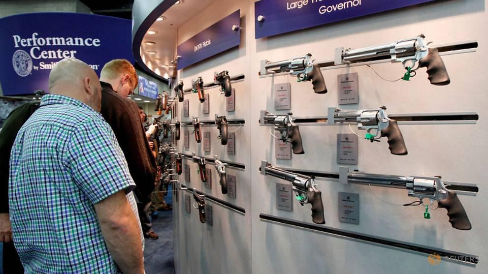 Doctors struggle to help older gun owners https://t.co/FYGXGtze5E