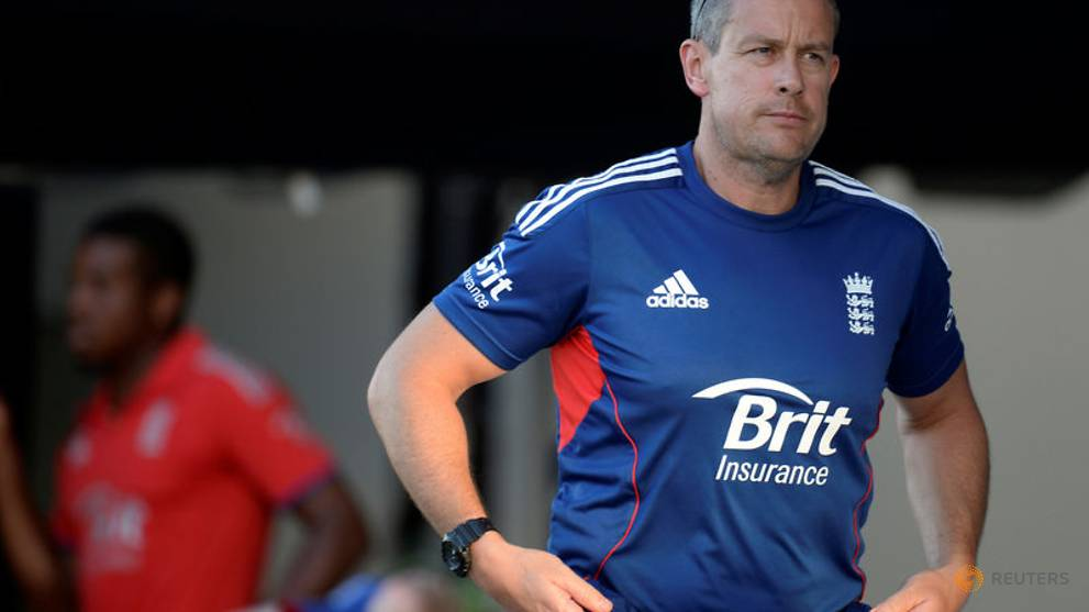 Giles replaces Strauss as England's new director of cricket https://t.co/I540xCeeH5