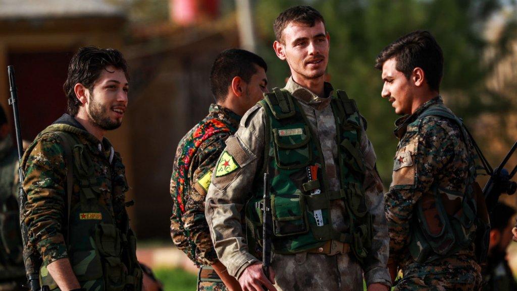 Le groupe EI perd à nouveau du terrain en Syrie, chassé d'Hajine par une milice kurde https://t.co/TnyWh02AzK