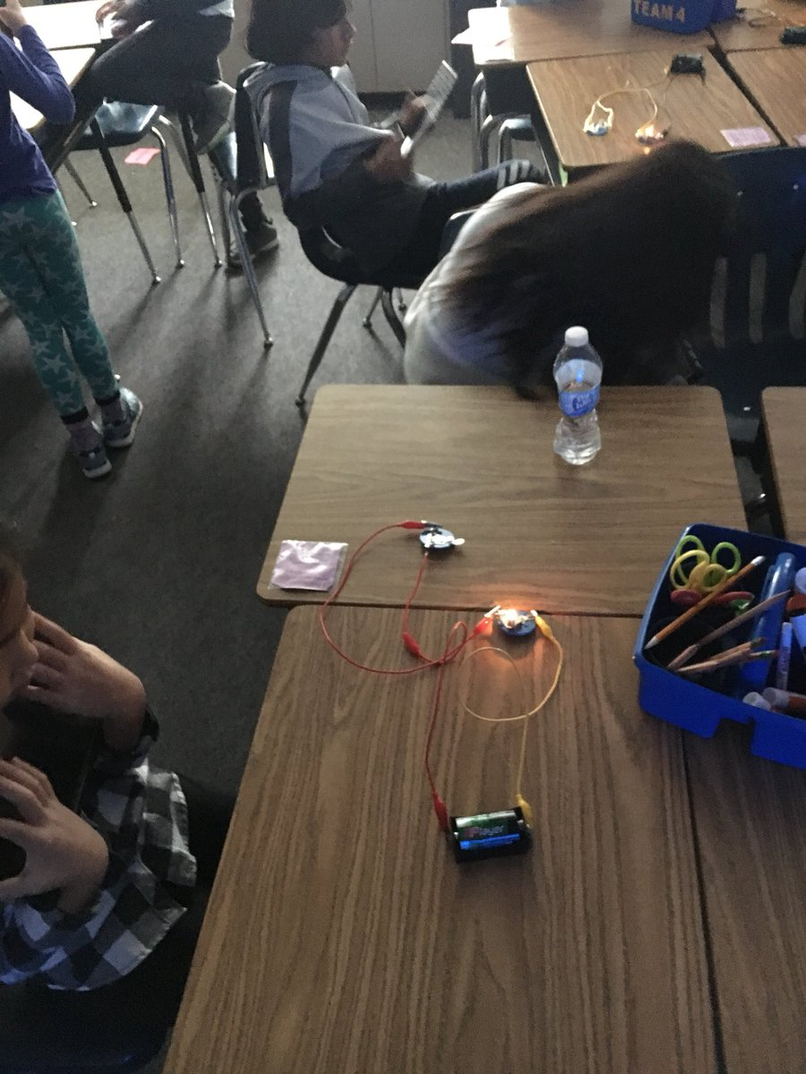 RT <a target='_blank' href='http://twitter.com/HFB4thGrade'>@HFB4thGrade</a>: So much fun Building seres citcuits and experimenting with a switch! <a target='_blank' href='http://search.twitter.com/search?q=HFBTweets'><a target='_blank' href='https://twitter.com/hashtag/HFBTweets?src=hash'>#HFBTweets</a></a> <a target='_blank' href='https://t.co/4bqzhCeq9e'>https://t.co/4bqzhCeq9e</a>