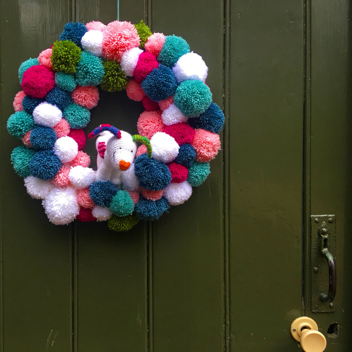 Nymansnt On Twitter Drop In Christmas Crafts This Weekend Inspired By Knitted Textures In The Snowman And The Snowdog Make A Sock Puppet Snowdog Pom Pom Baubles Or A Woollen Mini Http Wreath 11am 3pm 3