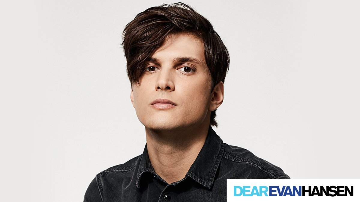 Tonight, tune in at 5pm EST to @broadwaycoms #LiveAtFive to hear @AlexBoniello chat about his time in #DearEvanHansen on Broadway.