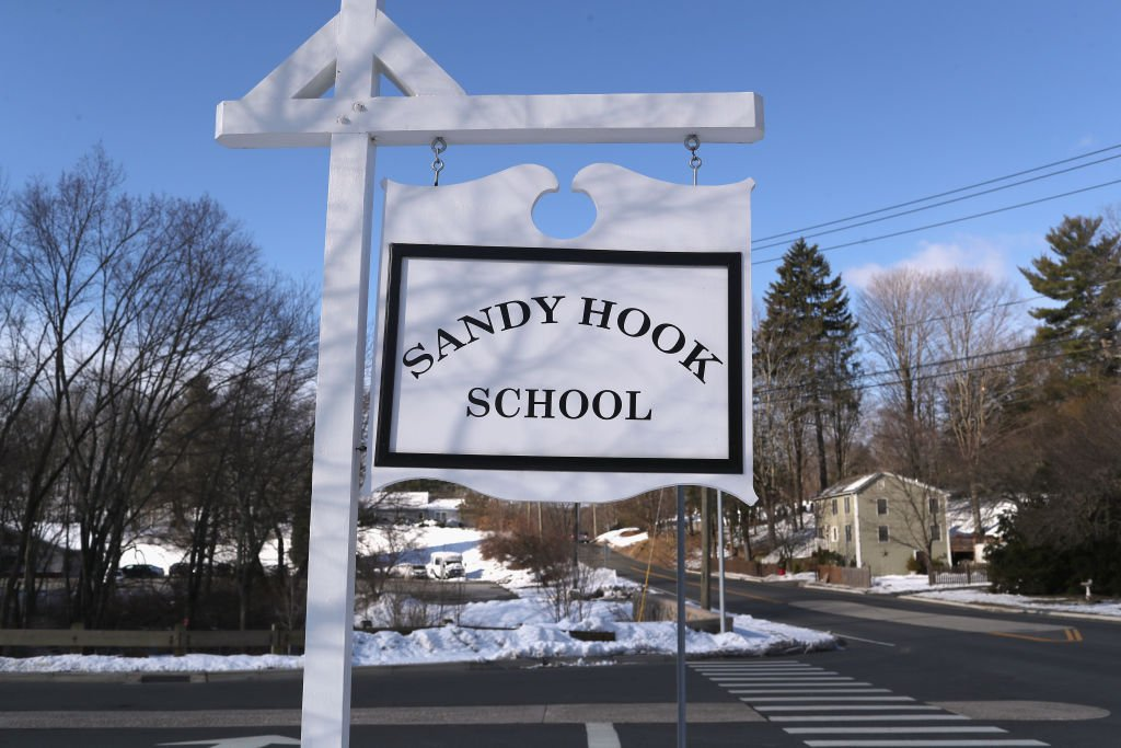Sandy Hook Elementary School was forced to evacuate after receiving a bomb threat on the 6th anniversary of its mass shooting https://t.co/qllhTjuBxu