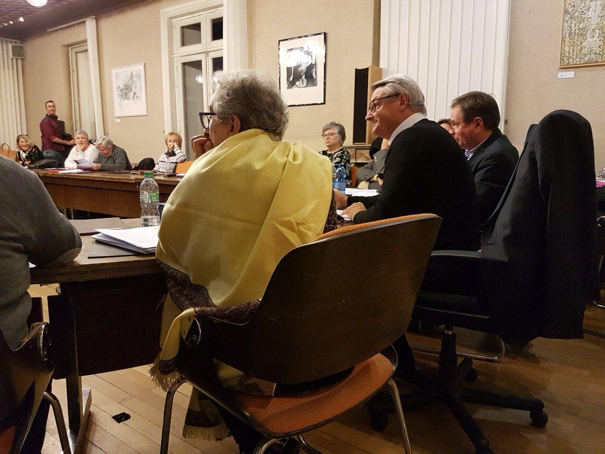 Le conseil municipal de #lormont signe a l'unanimité une motion de soutien à l'usine #FordBlanquefort, dénonce cette décision de fermeture brutale et détestable, exige de Ford le renversement des aides publiques versées. https://t.co/nQeOC71K1T