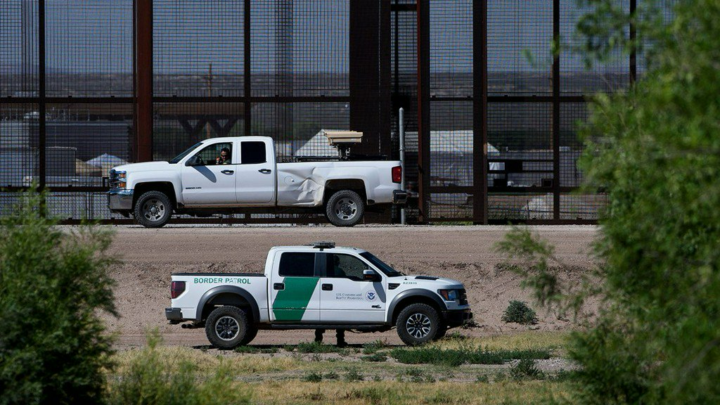 7-year-old migrant girl held at US border dies in custody https://t.co/OjdiylZY26