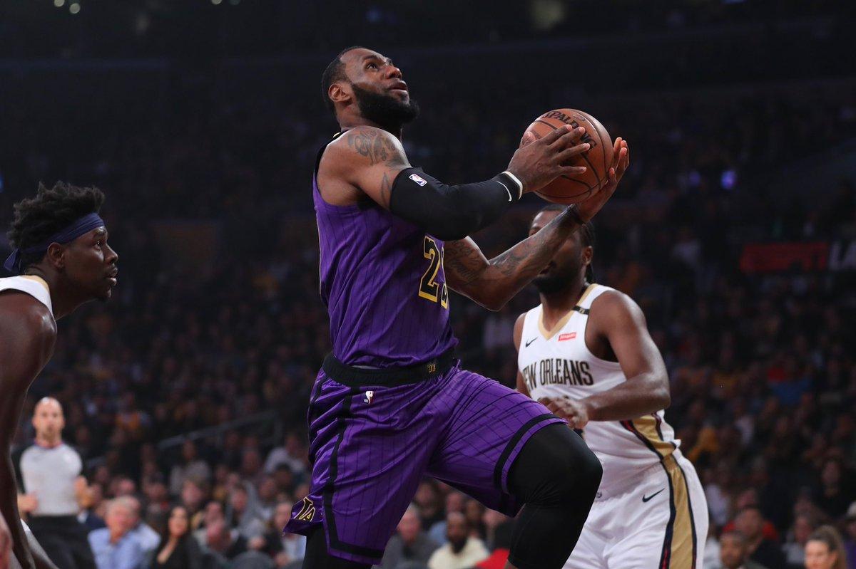 LeBron James fue otra vez determinante para los Lakers