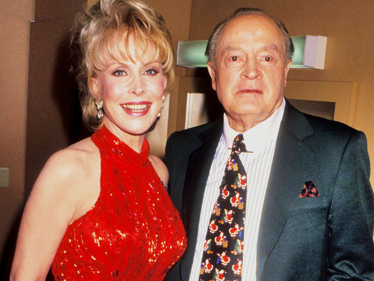 I Dream Of Jeannie On Twitter Barbara Eden And Bob Hope Attend