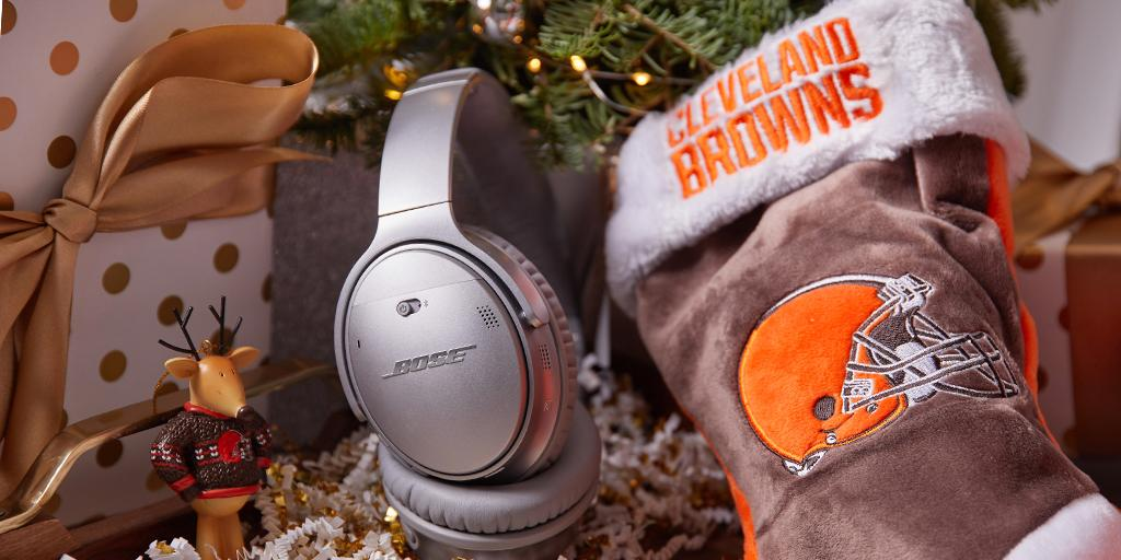 Making it through the holidays takes #HolidayFocus.   RT for a chance to win @Bose QC35 II headphones + official #Browns gear! 🎁  Rules: https://t.co/cBEwtLcd6v