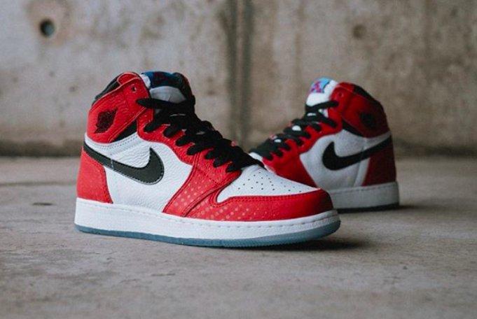 Ad  Few sizes availble GS Air Jordan Retro 1 High OG  Spider-Verse      http   bit.ly 2RPfUge pic.twitter.com 3utoxpjHLC ade46db4b