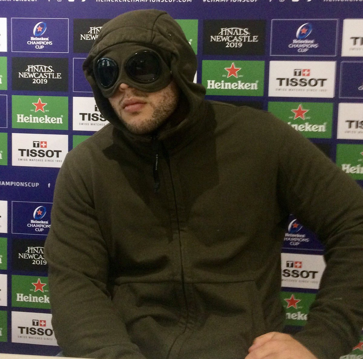 I sat down with Ellis Genge, looked into his eyes and...no I didn't, because he was dressed like this for the entire conversation. But from behind the goggles he spoke with remarkable candour about loyalty, sacrifice, injury, criticism and more. Read it in @TimesSport tomorrow.