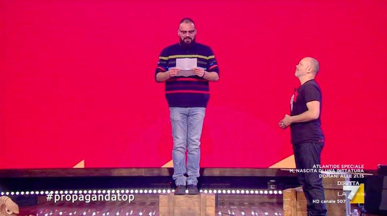 Poesie Di Natale 3 Media.Propaganda Live On Twitter Incantesimo La Poesia Di Natale Del