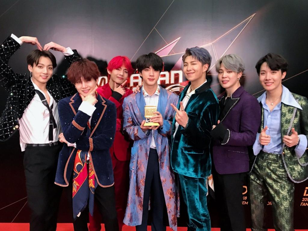 Congrats to #BTS on winning Artist and Album of the year at #2018MAMA! @bts_bighit @BTS_twt #ThankYouBTS
