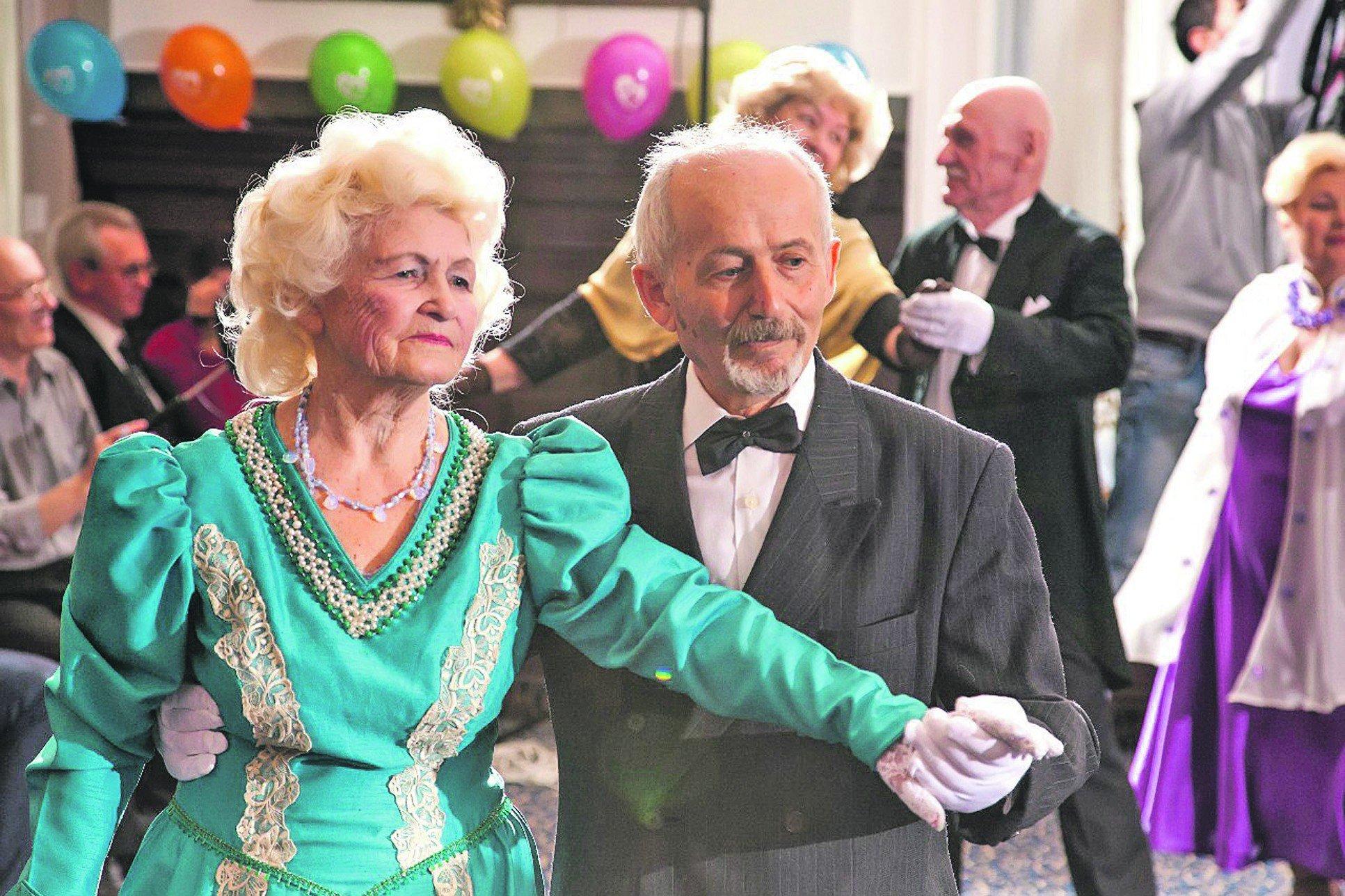 фото танец пожилые многих