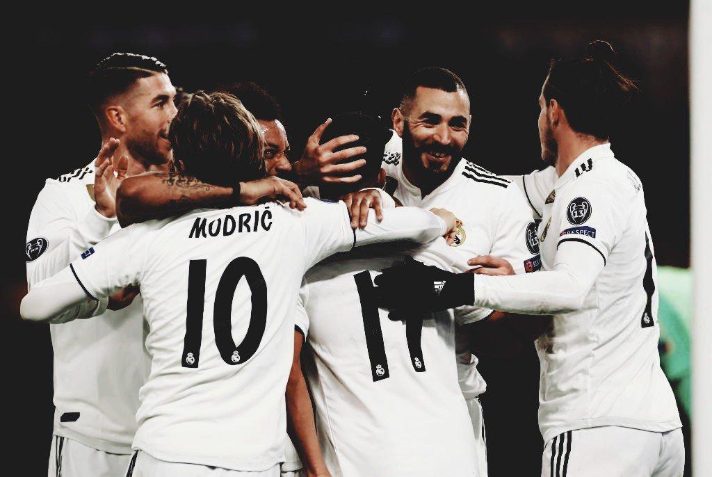 📌 | PRÓXIMO JOGO ⚪⚪ - 🏆 La Liga - 16ª rodada ⚽️ Real Madrid (4º) x (19º) Rayo Vallecano - 🏟 Estádio Santiago Bernabéu   📅 Hoje - 15/12 ⌚️ 15h30 (Brasília) 📺 Fox Premium 📲 #RMLiga  #HalaMadrid