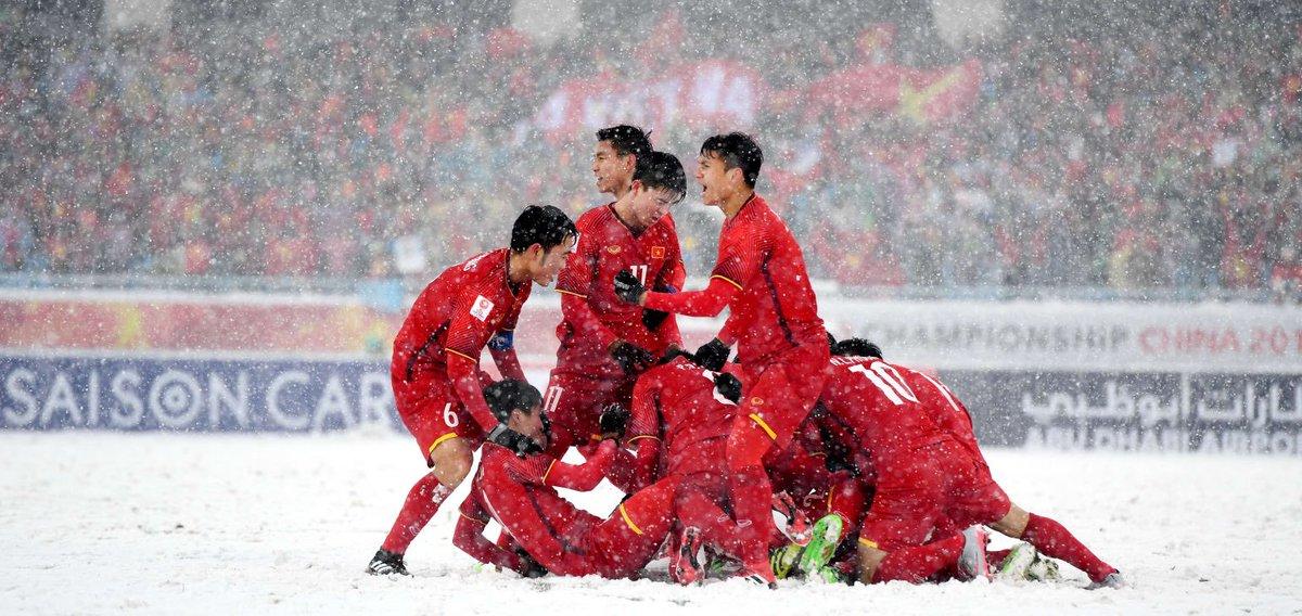Xem lại siêu phẩm của Quang Hải vào lưới Uzbekistan – U23 châu Á 2018