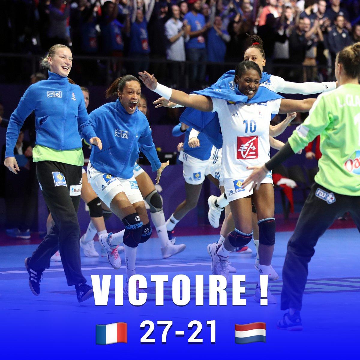 Magnifique ! Les Bleues rejoignent la Russie en finale de l'@EHFEURO! Après avoir remporté le titre mondial il y a un an, la France aura l'occasion de faire le doublé ce dimanche suite à sa victoire 27 à 21 face aux Pays-Bas hier soir #EHFEuro2018 #handballissime #JouezADomicile https://t.co/91qS7RPmw3