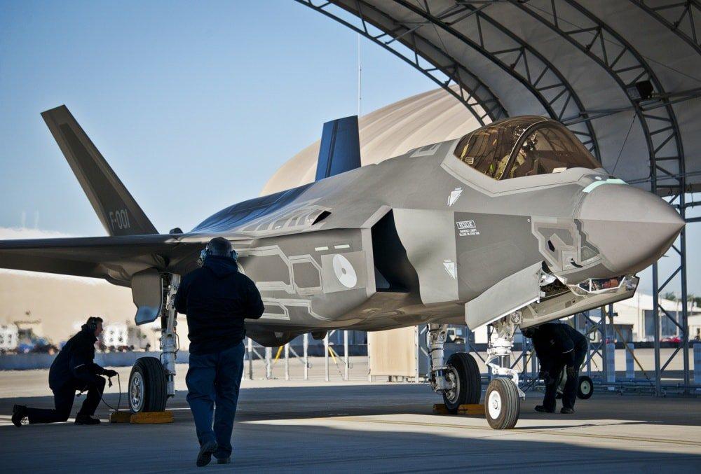هولندا تقرر شراء المزيد من مقاتلات F-35  Ducv6beW4AA_0AT