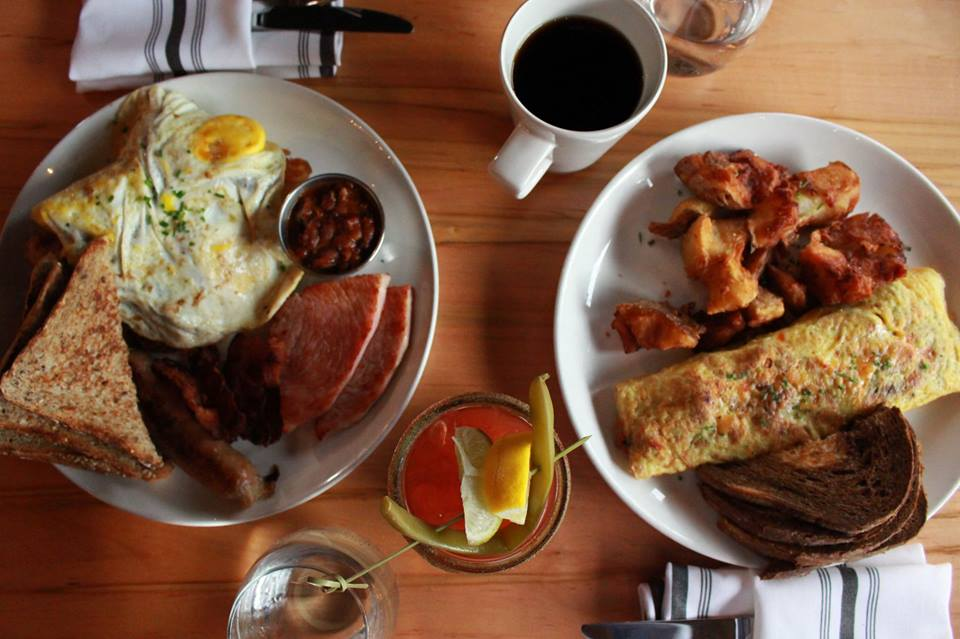 BRUNCH! 10-3 every Sat and Sun at @radiusdining -  151 James St S, Hamilton #whenisitnotbrunchseason #brunch #ontariocraftbeer #cocktails #fancybrunch #saintsandsinnerspic.twitter.com/e3NMyqvIhF