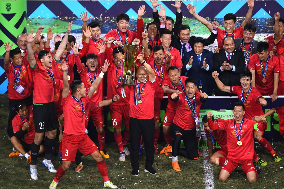 It's a party in Vietnam! 🎉 The Golden Dragons are @affsuzukicup champions for the second time in history, following their 3-2 aggregate victory over Malaysia in the final. 🏆🏆 Congratulations! 🇻🇳🇻🇳