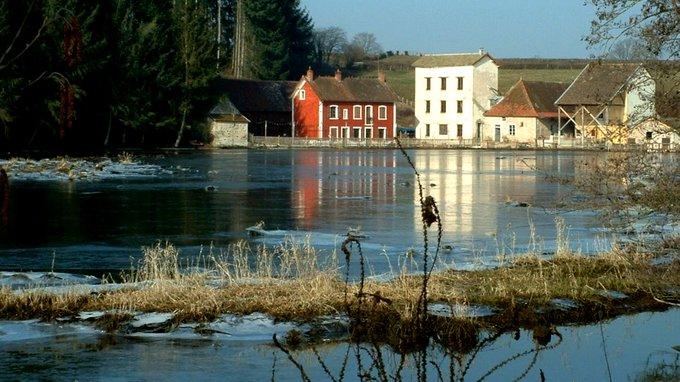 Soleil hivernal Rompt glace et silence, Annonce la vie. #HaikuEnHiver #VendrediLecture Photo