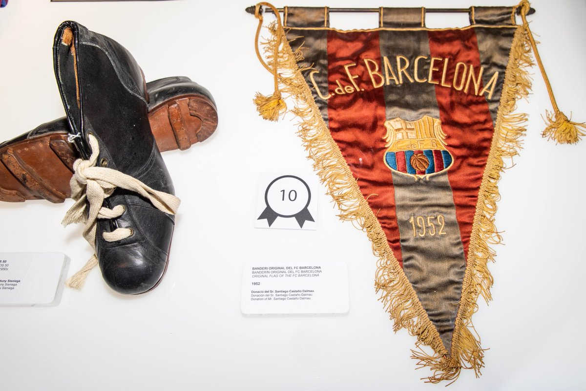 The 1937 pennant is the oldest on display in the Barça Museum. Before it, the oldest one dated back to 1952.  Barça Stadium Tour & Museum 👉 http://ow.ly/ZKqQ30mZSYT