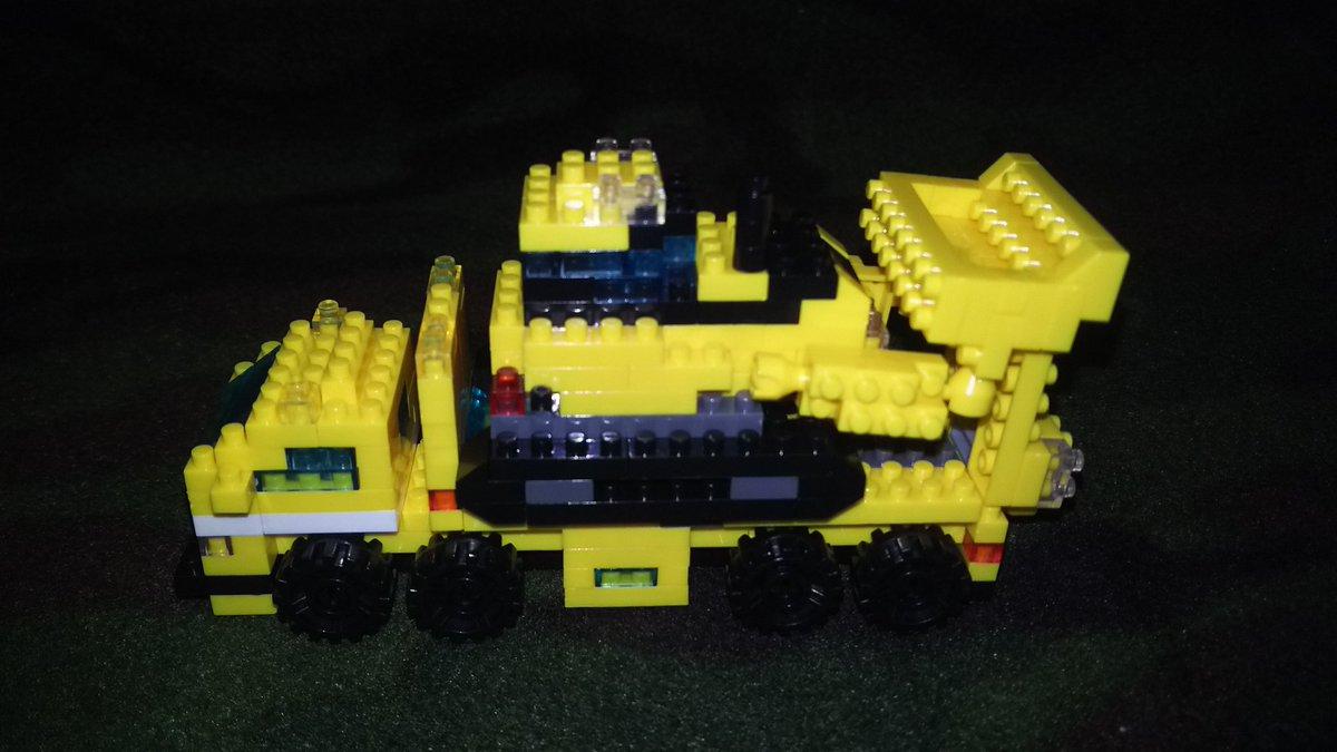 test ツイッターメディア - マイクロブロックで作った大型トラックは、同じシリーズのブルドーザーやショベルカーを乗せることができます? #マイクロブロック #プチブロック #セリア https://t.co/gWh5W7NXwa