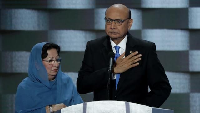 Congress approves bill to name post office after soldier whose parents Trump attacked https://t.co/GYKMkgh4Ik https://t.co/sNp0mMOs15