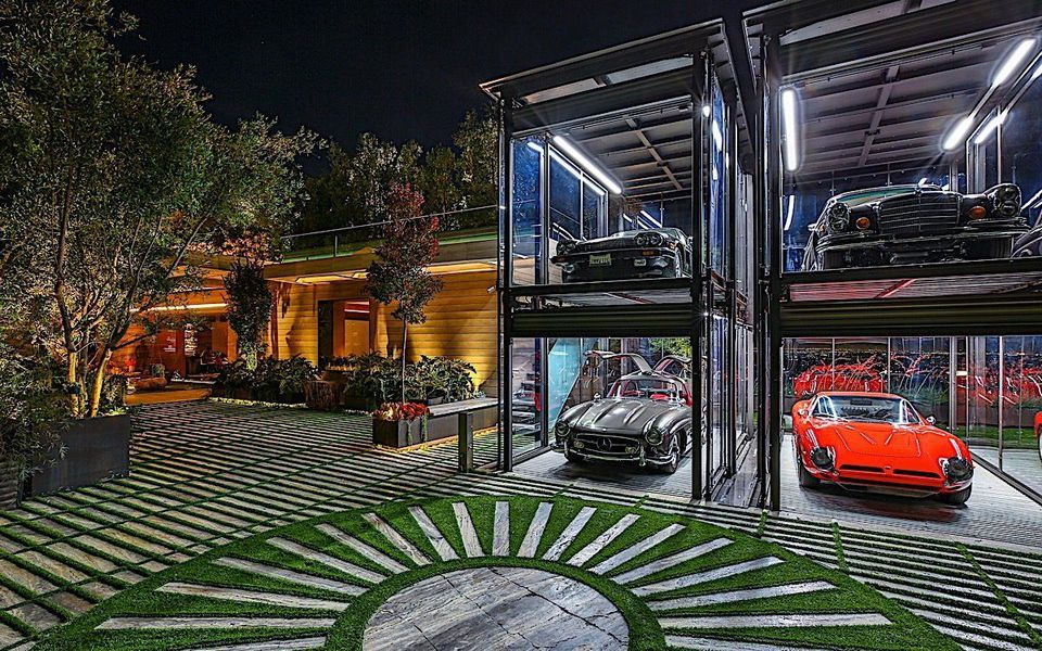This $88 million Bel Air home is the 2nd most expensive home on the market: https://t.co/BwAk1JiNwp