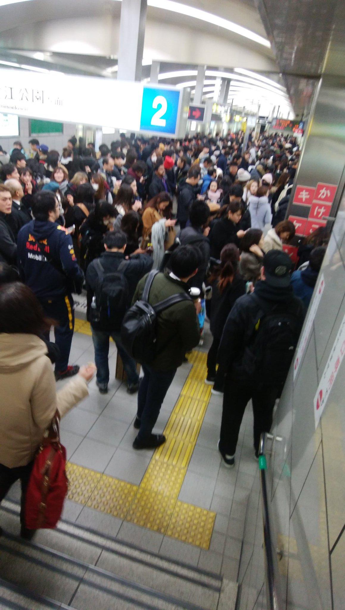 画像,西梅田駅がやべぇw https://t.co/5epfTVmPmu。