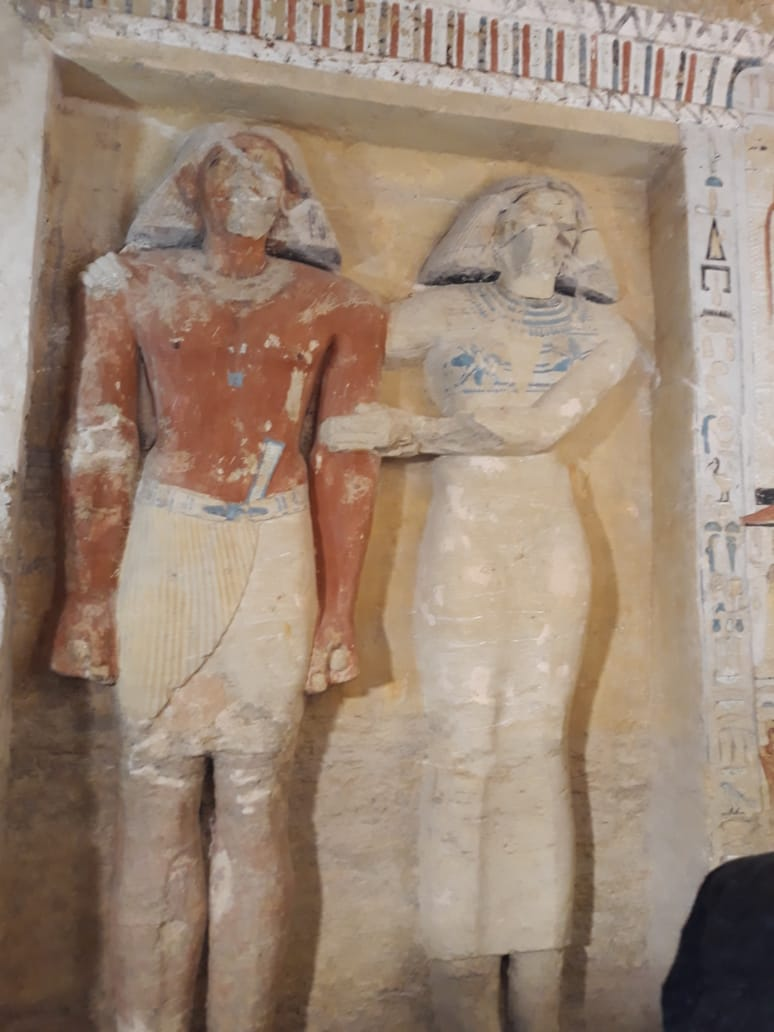 Archaeologists Discover Unspoiled Egyptian Tomb, Sealed For 4,400 Years - image DudwHK7XQAApD_H on https://alldesingideas.com