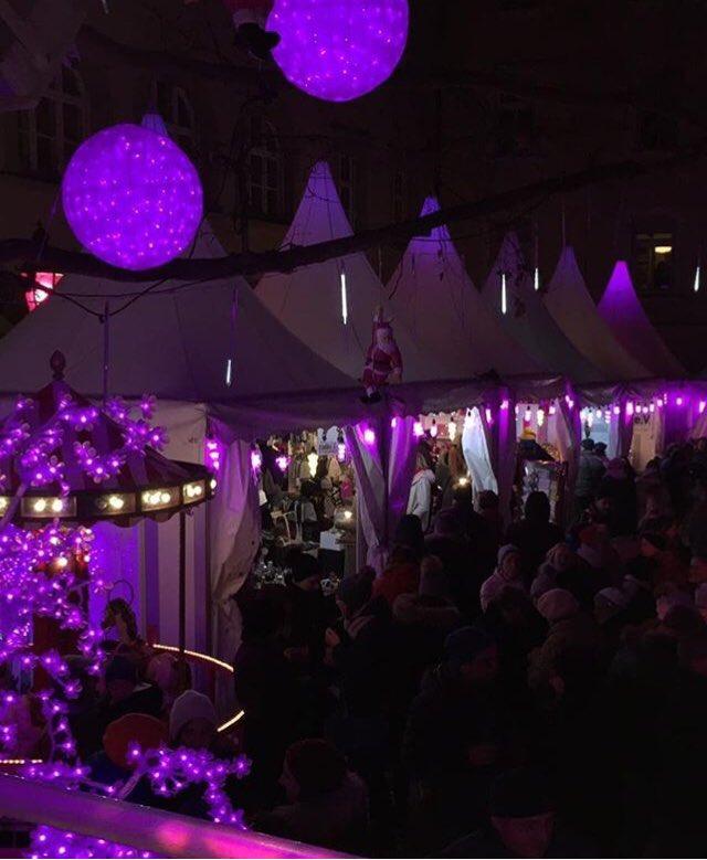 Pinker Weihnachtsmarkt.Radio Pegasus On Twitter Turchen Nr 15 Pink Christmas