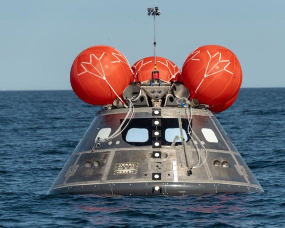 What happens when @NASA_Orion returns back to Earth after traveling thousands of miles into deep space? Splashdown. Our engineers are testing the airbags to ensure they deploy & keep the spacecraft upright when it splashes into the ocean. Dive in: https://t.co/qKdNIGEZTh