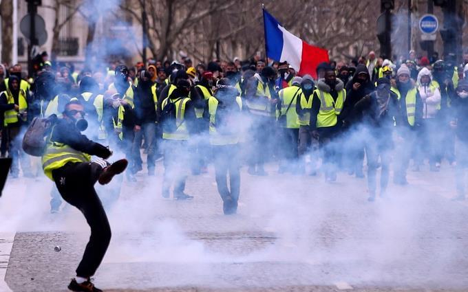 Detenidas 60 personas en manifestación de '#ChalecosAmarillos' en #Bruselas https://t.co/6r7dVeenZD #ListínDiario