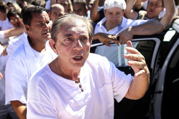 URGENTE: João de Deus é considerado foragido e entra na lista da Interpol https://t.co/uUTTxOHkyA
