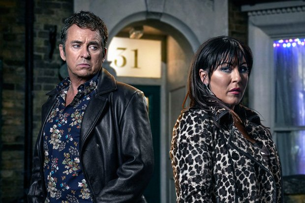 #EastEnders' Kat to MURDER Alfie in ultimate Christmas clash? https://t.co/Sk9qSjvu6Y