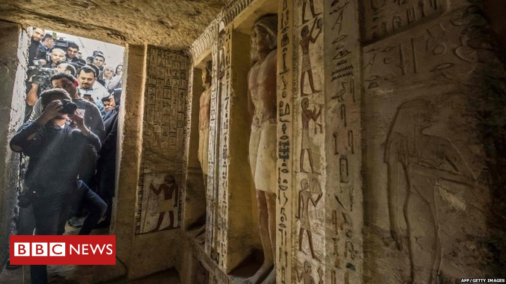 Archaeologists in Egypt have unveiled the tomb of a high priest, which has remained untouched for 4,400 years. 😲  https://t.co/QAvEheC9Ot
