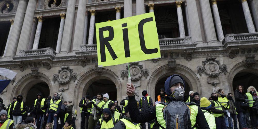 Qu'est ce que le RIC, le référendum d'initiative citoyenne réclamé par les gilets jaunes? https://t.co/X7abI9C9QI