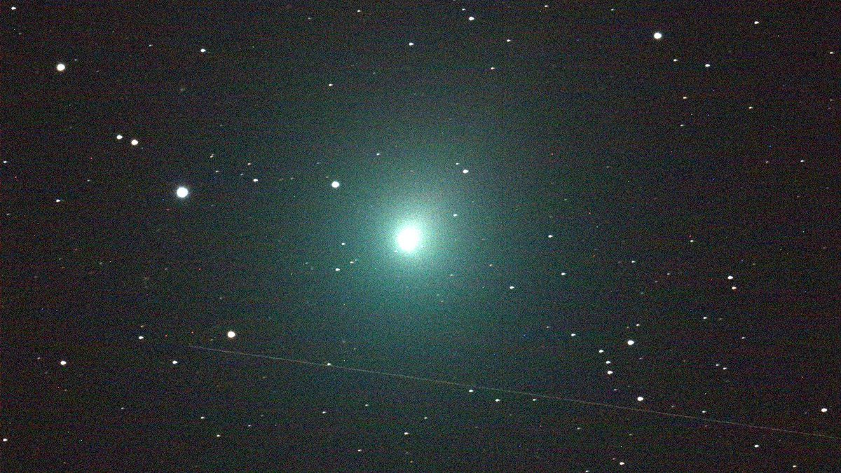 On Sunday, Dec. 16, the #comet known as #46PWirtanen will make one of the 10 closest comet flybys of Earth in 70 years, and you may even be able to see it without a telescope. Comet Wirtanen has already been visible in larger amateur telescopes. @NASA https://t.co/1D85qkUzIq
