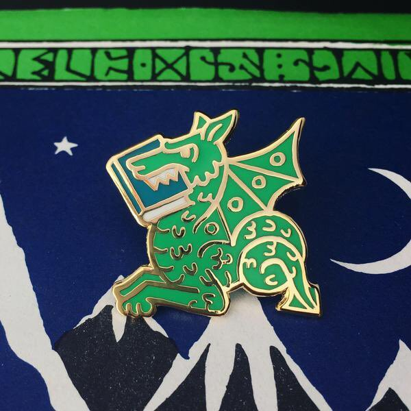 Need a Tolkien gift? We have you covered https://www.theonering.net/torwp/2018/12/03/105706-2018-holiday-gift-guide-plus-an-exclusive-offer-from-loot-crate/… including this neat little pin from @gimmeflair pic.twitter.com/dOlywS1iRM