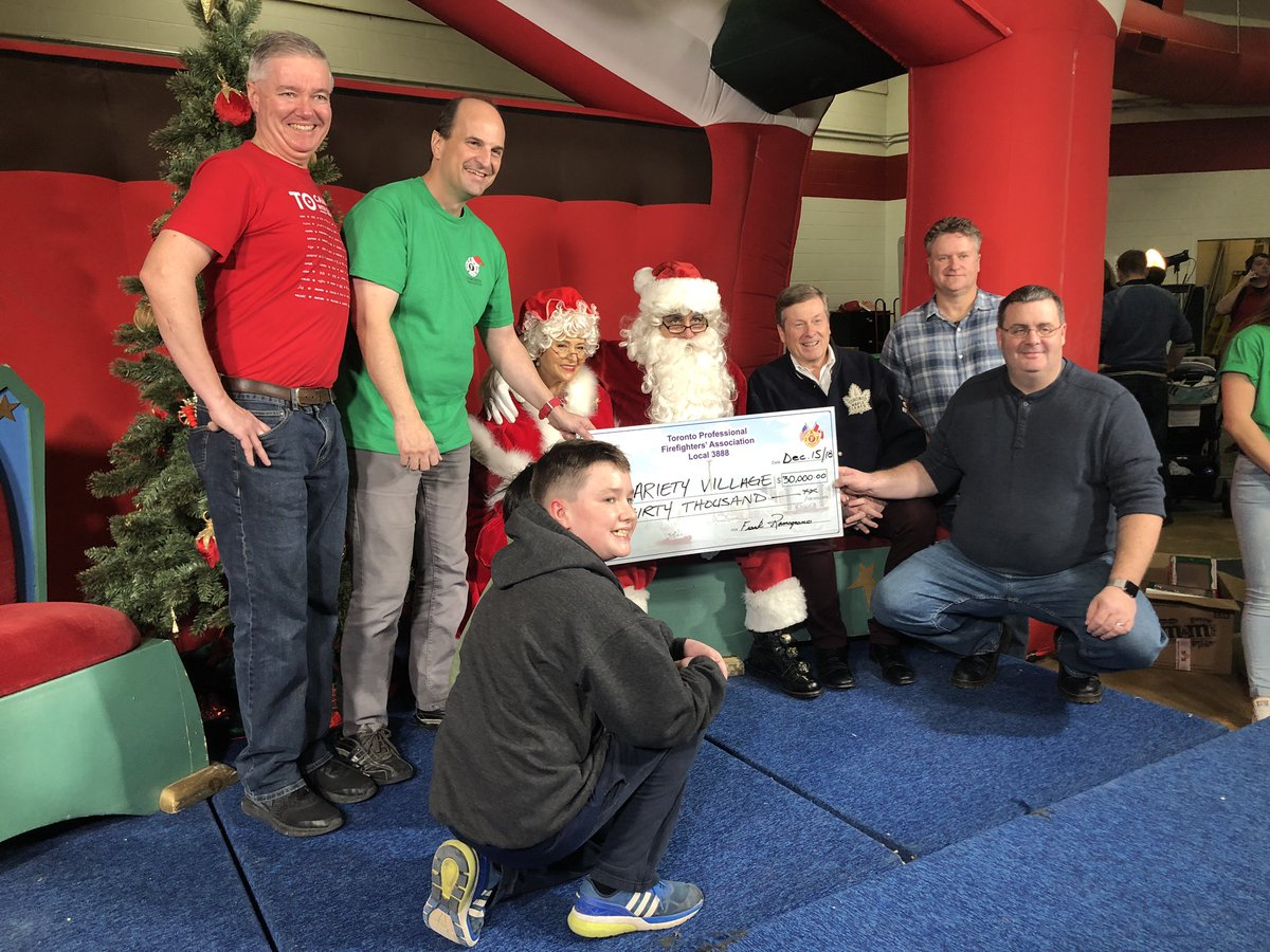 Joined Toronto Fire friends and family at the annual @TPFFA children's holiday celebration this afternoon. Santa made an early appearance as $30,000 was donated to @VarietyVillage. <br>http://pic.twitter.com/tDFx88rRYs