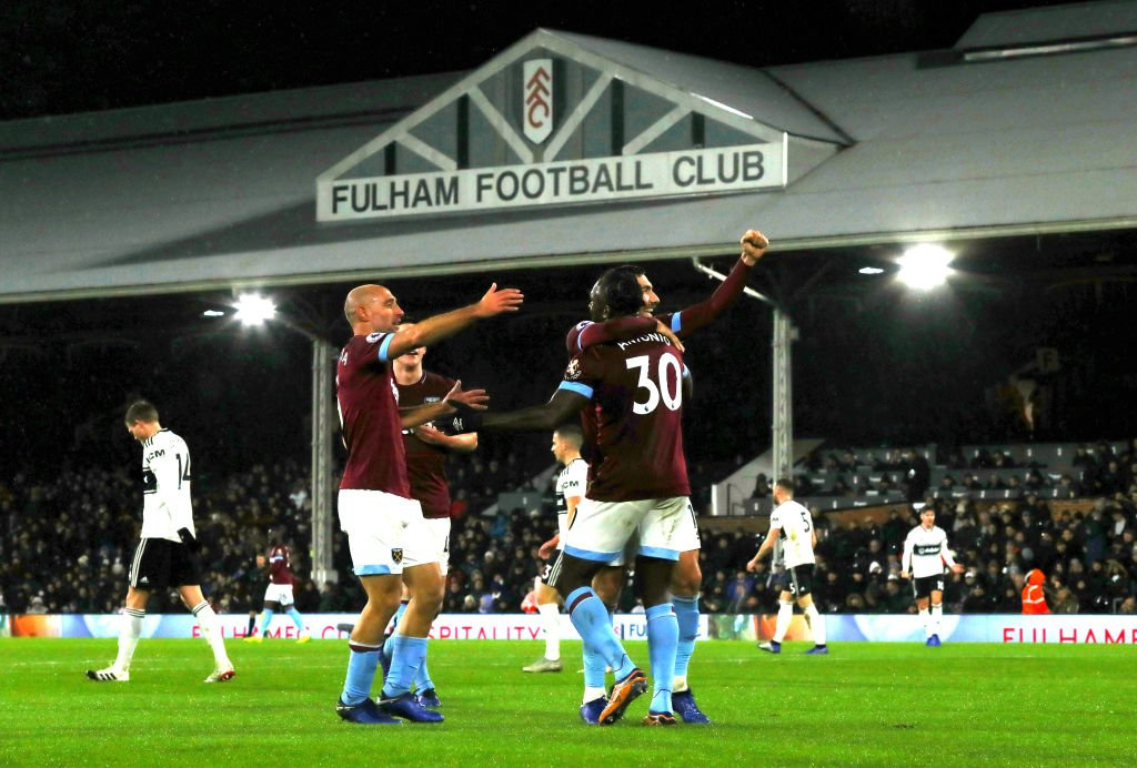 FT: Fulham 0-2 West Ham   Two goals in the opening half hour from Robert Snodgrass and Michail Antonio make it four consecutive Premier League wins for West Ham.  #FULWHU #bbcfootball https://t.co/zfrfRSZ7sh