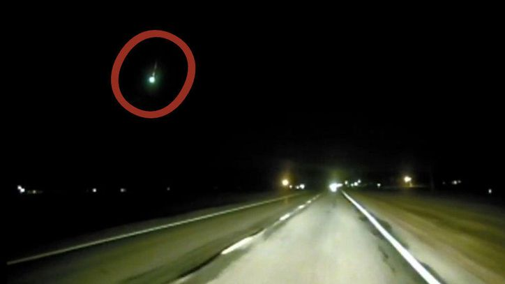 Glorious Geminid meteor shower fireball caught on cop's dashcam https://t.co/ZdX2ZwThwF